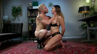 Shemale Andylynn Payne adores to get fuck with her friend in many ways