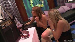 Hardcore FFM threesome with pornstars Kara Mynor and Natasha Nice